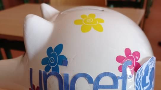 MOC PREZENTÓW. PREZNTY BEZ PUDŁA – UNICEF